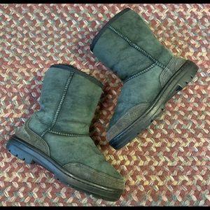 Ugg Ultra Short Woman's Size 5  Dark Green Boots